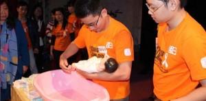 Chế độ thai sản dành cho …các ông bố