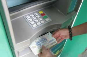 Thủ tục ủy quyền rút tiền khỏi ngân hành của người bị tạm giam.