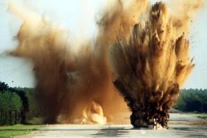 Sản xuất, kinh doanh vật liệu nổ công nghiệp, tiền chất thuốc nổ